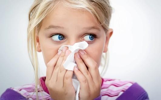 Почему идет кровь из носа и как ее остановить