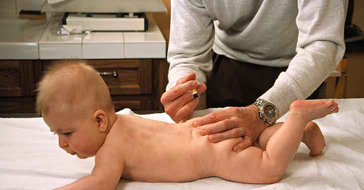 Как правильно сделать укол в ягодицу ребенку